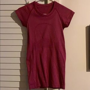 Red Lululemon swiftly tech short sleeve